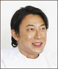 歯学博士・認定医 星野 慶弘